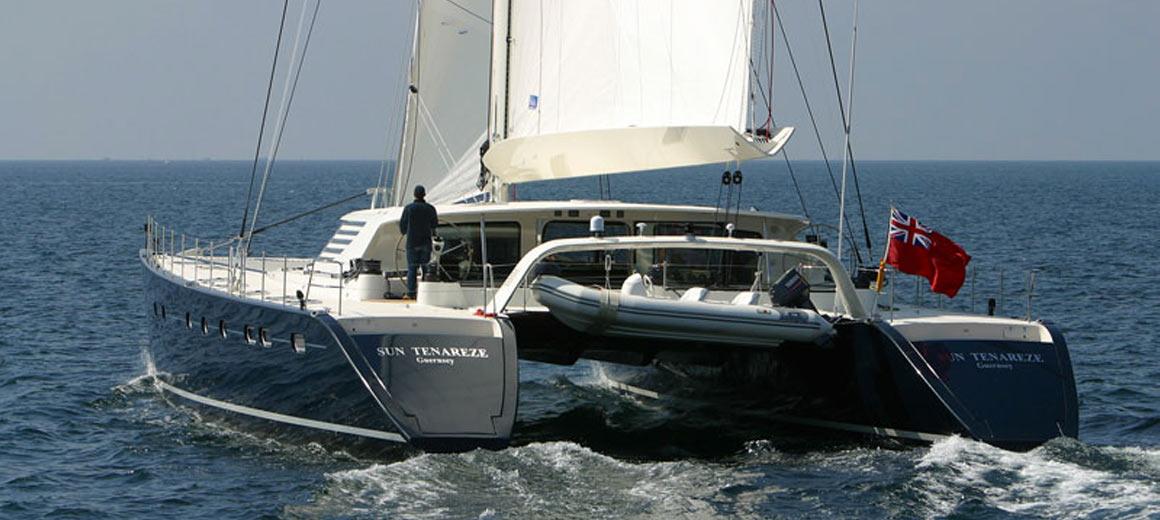 contrast 33 yacht