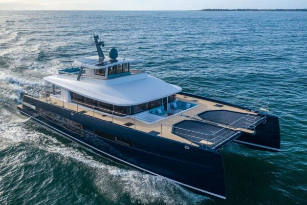 Long Island 78 Power – Motor Yacht